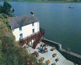 Dylan-Thomas-Boathouse